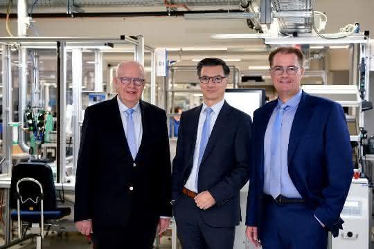 Geschäftsführende Jumo-Gesellschafter Bernhard Juchheim, Michael Juchheim und neuer zusätzlicher Geschäftsführer Dimitrios Charisiadis