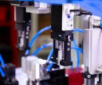 Greifer für Batteriepol-Glättautomat: Hier läuft alles glatt