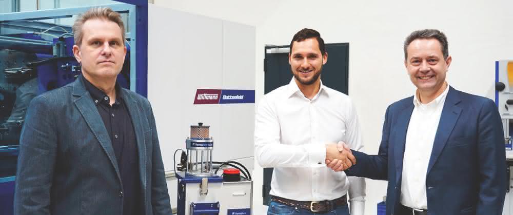Von links: Erhard Fux, Leiter der Witmann-Abteilung Schüttgut, Aaron Farrag, Leiter des Produktbereichs Drucklufttrocknung und Formenkühlung und Geschäftsführer Michael Wittmann.