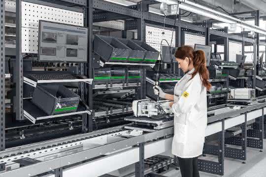 LogiMAT 2020: bott schafft Platz für die manuelle Montage