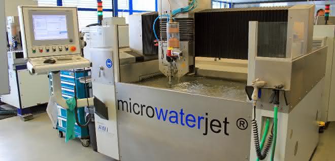 Microwaterjet-System
