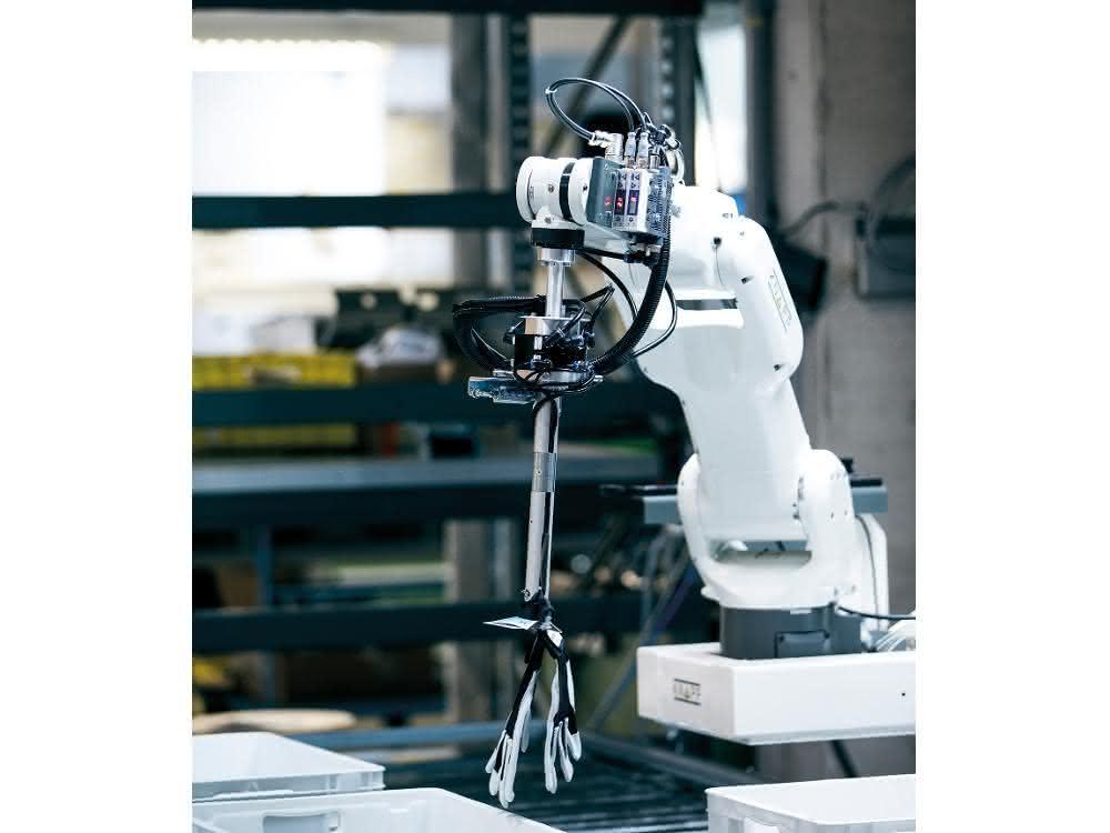 Robotik auf der Logimat: Kommissionieren mit KI