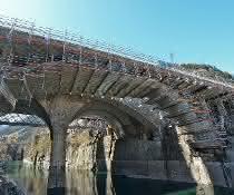 Aus Baugewerbe Unternehmermagazin 1-2\2020: Brückensanierung: Pfiffig abgehängt, effizient saniert