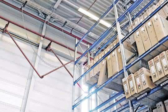Aus materialfluss 1-2/2020: Industriegebäude ganzheitlich vor Feuer schützen