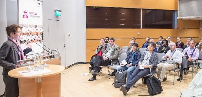 Eindruck von der Analytica 2018 (Vortragende und Teilnehmer)