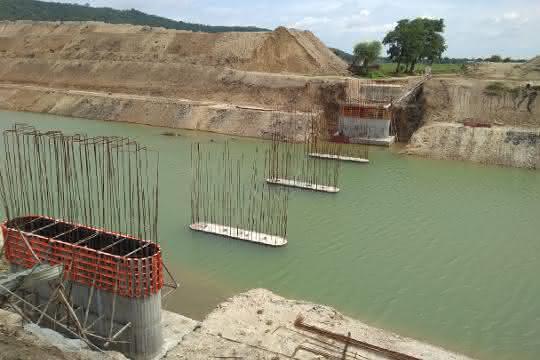 Universalschalung bei Brückenbau eingesetzt