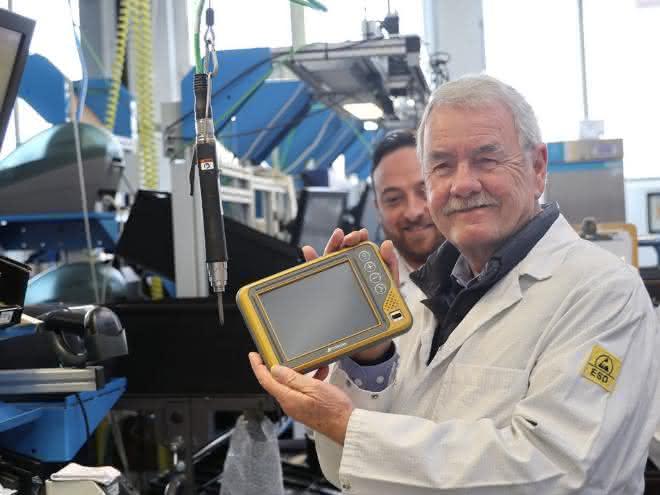 Topcon Electronics produziert 100.000 Bedieneinheiten: Rekord-Geschäftsjahr für Topcon Electronics
