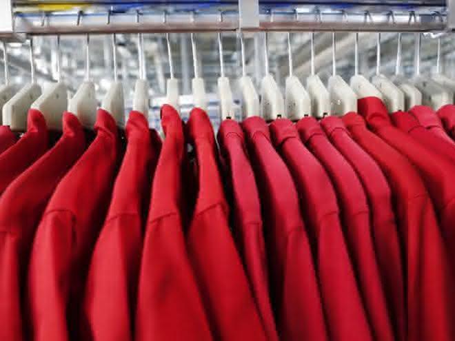 Wann ist Berufsbekleidung steuerlich absetzbar?