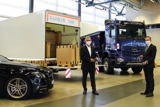 Daimler übergibt Gesichtsschilde für medizinisches Personal