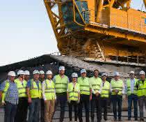 3.000-Tonnen-Kran: Liebherr-Raupenkran LR 13000 an russisches Bauunternehmen übergeben