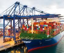 Weltweit größtes Containerschiff auf dem Weg nach Rotterdam