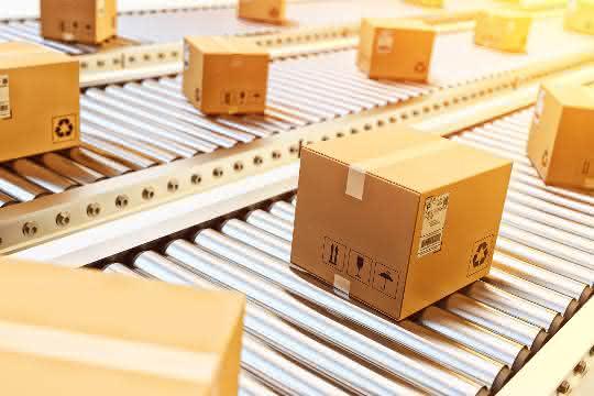 Hochsaison im Online-Handel: Wie Distributionszentren die Lieferketten in Bewegung halten