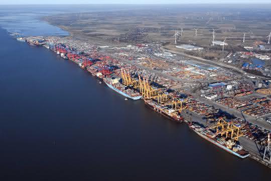 Bremer stellen Fragen zu Fusionsplänen im deutschen Containergeschäft