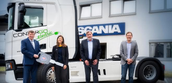 Contargo nimmt Oberleitungs-Hybrid-Lkw für Teststrecke entgegen