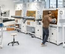 """Blick in das """"Helmholtz Innovation Lab HySPRINT"""". Wesentliche Arbeiten zu den druckbaren Perovskit-LEDs fanden hier statt."""