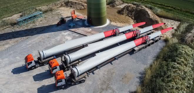 Schwerlastlogistik: Universal Transport bringt Windenergieanlagen nach NRW