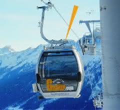 Einfahrt der Seilbahnkabine in Skistation