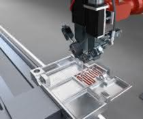Dosiersystem für die Verarbeitung thermisch leitfähiger Materialien.
