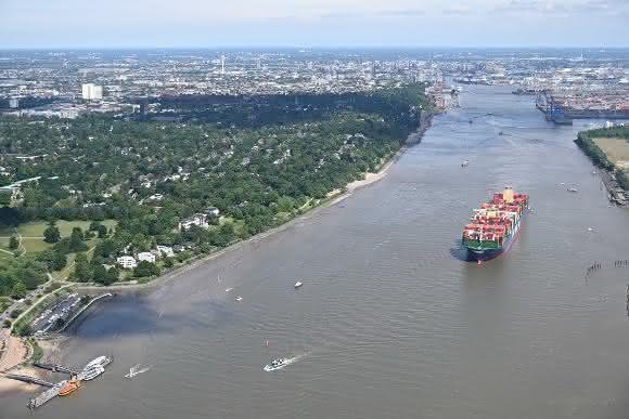 Corona-Pandemie bremst Hamburger Hafen aus