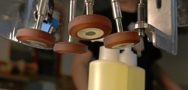 Kleinstoßdämpfer im Einsatz: Tuning in der Automation
