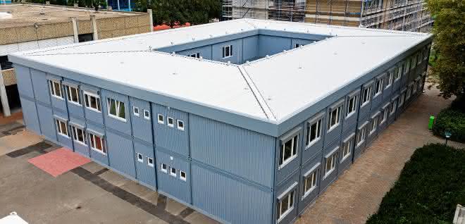 Mobile Container-Raumlösungen: Zwei Schulen in Modulbauweise