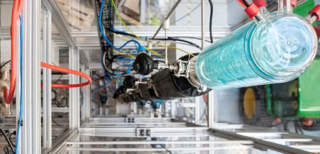 Blick in die neue Demonstrationsanlage für OME am TUM Campus Straubing für Biotechnologie und Nachhaltigkeit