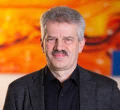 Dr. Axel Engel
