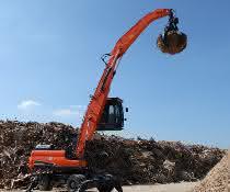 23-Tonnen-Bagger: Doosan baut Angebot an Umschlagbaggern aus