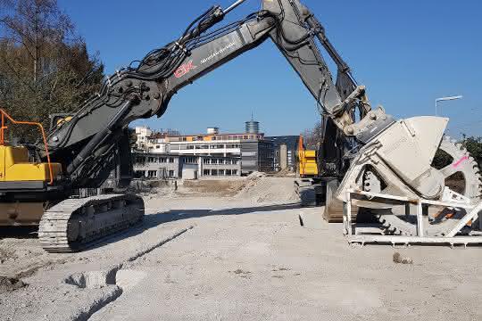 Schneidrad-Einsatz: Schwerer Beton in dicken Quadern