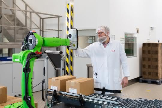 Automatisierte Kommissionierlinie: Um fünf Tonnen entlastet