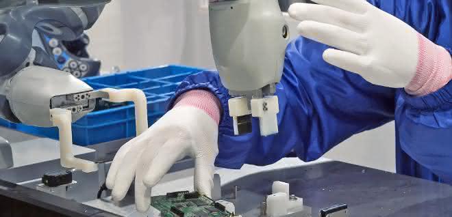 Sichere Mensch-Roboter-Kollaboration: Cobots sicher im Team