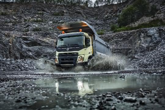 Volvo Trucks feiert zehnjährige Präsenz in der Bauindustrie