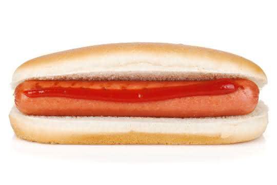 Wurst im Brötchen (Hot Dog)