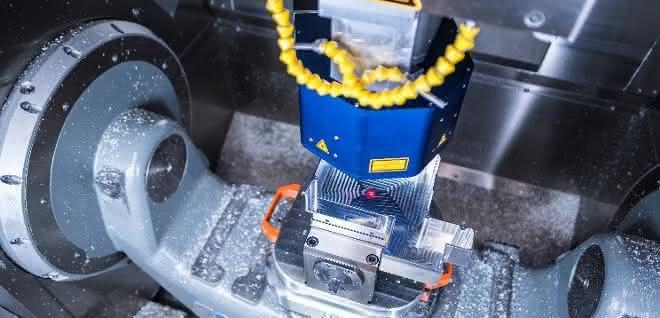 Holographische Sensorsysteme wie Holocut können heute schon interferometrisch präzise Messungen innerhalb anspruchsvoller Mehrachssysteme wie Werkzeugmaschinen durchführen. Jetzt soll das Bindeglied zur optischen Koordinatenmessmaschine entwickelt werden.