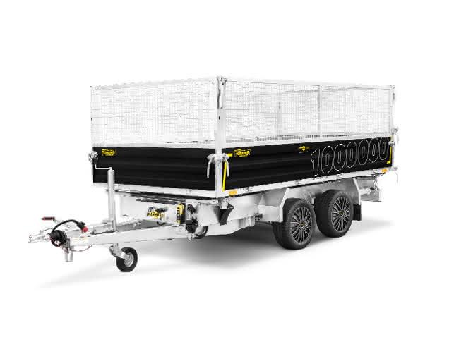 Mit der E-Pumpe Bäume, Sträucher und Maschinen transportieren