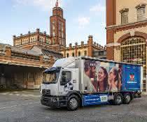 Renault Trucks übergibt ersten E-Lkw an Carlsberg