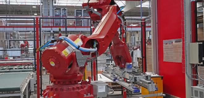 Hochpräziser Roboter: Robotik in der Holzbearbeitung