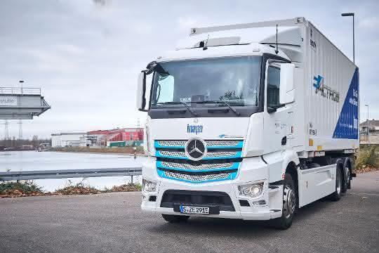 Inapa Deutschland testet eActros im Papiergroßhandel