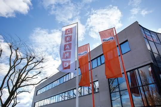 Baumaschinen-Vermietung: Orange und rot: Cramo gehört zu Boels