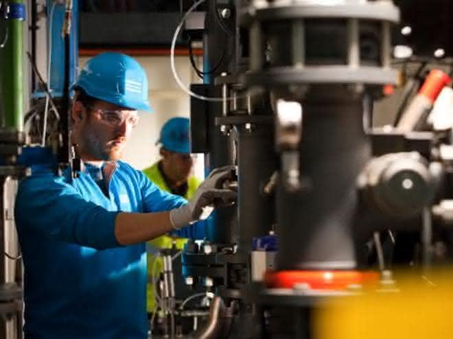 Atlas-Copco-Techniker bei der Arbeit