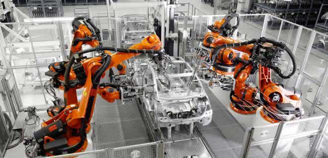 Roboter in der Automobilfertigung