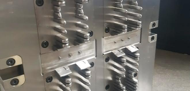 Kernseite des 8-fach-Spritzgießwerkzeugs