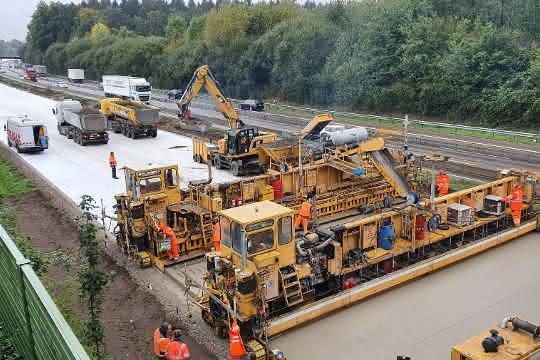 Ausbau der Autobahn A 1: Johann Bunte und Strabag erhalten Autobahn-Großauftrag