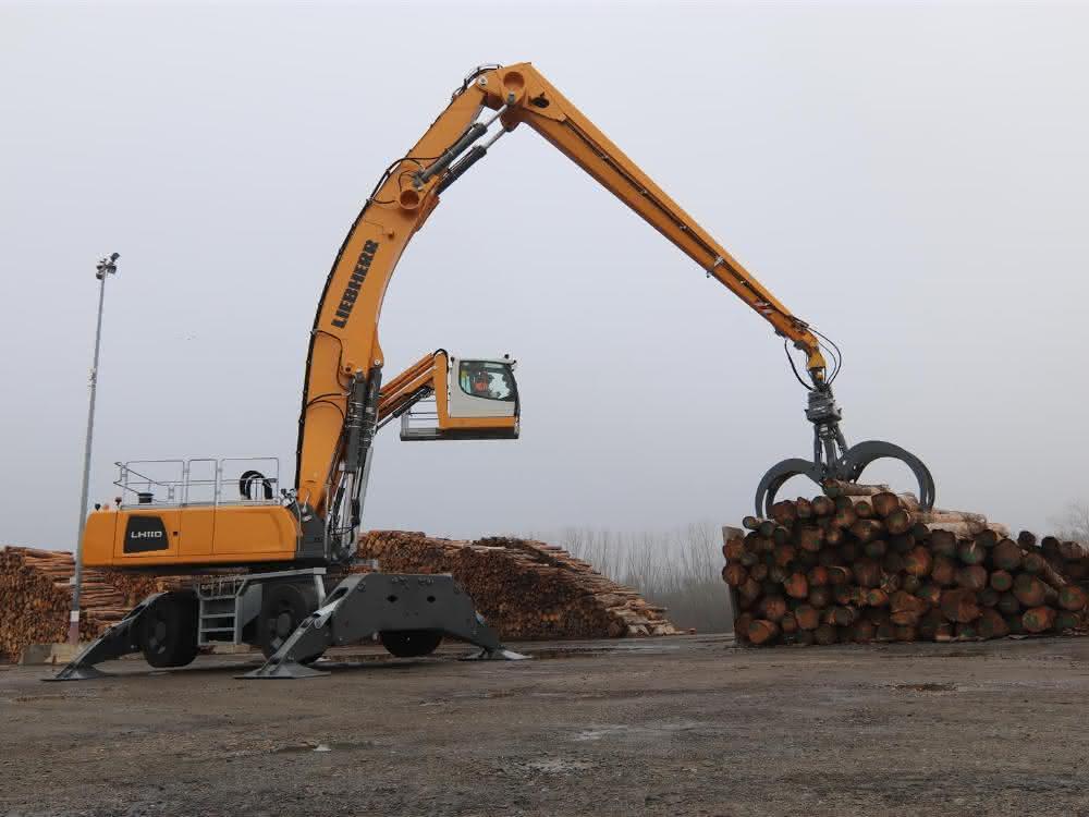 Einsatz im Hafen: Größte Liebherr-Materialumschlagmaschine Frankreichs ausgeliefert