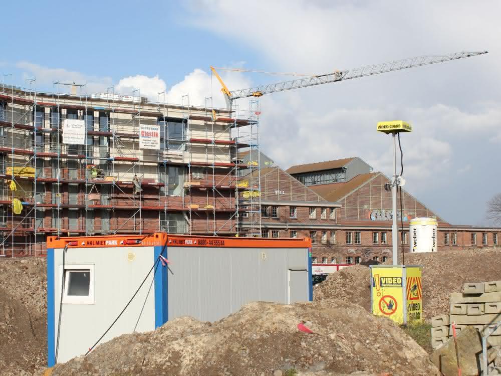 Vom Vorhängeschloss bis zur Videobewachung: Baucontainer vor Einbruch schützen