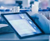 Tablet im Labor