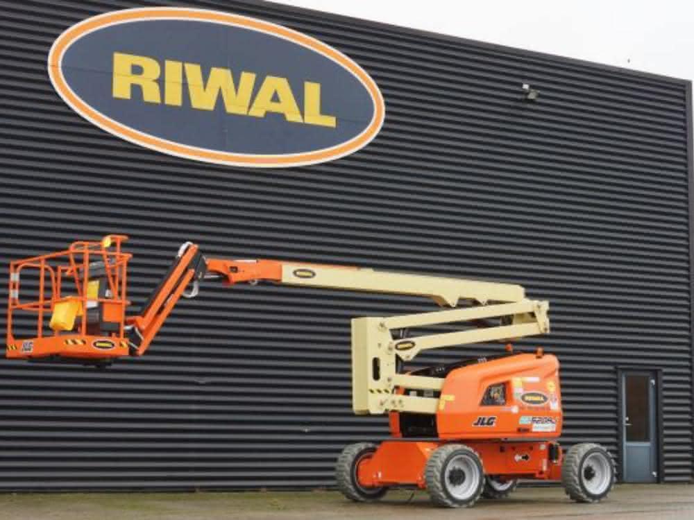 Elektrische Arbeitsbühnen für Riwal
