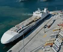 Erster Schiffsanlauf bei HHLA PLT Italy