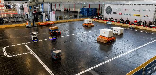 Schnittstelle für Fahrerlose Transportsysteme besteht Praxistest