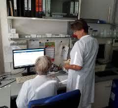 Mitarbeitende im TLV-Labor